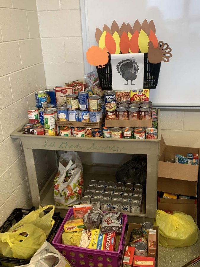 SGA%27s+Food+Drive+Brings+Thanksgiving+to+Greater+Winslow+Community